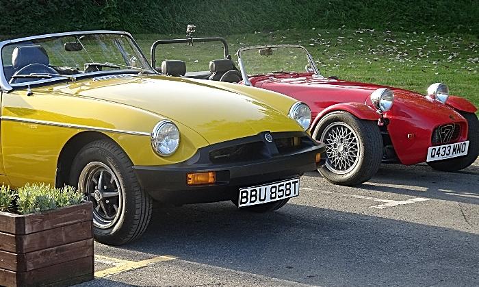 Classic cars on display at Venetian Marina Tearoom (2) (1)
