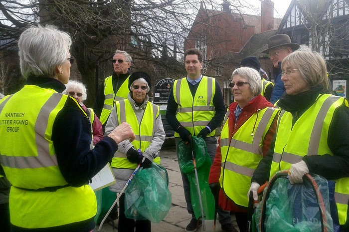 Clean for the Queen - NLG volunteers joined by Edward Timpson MP in March 2016