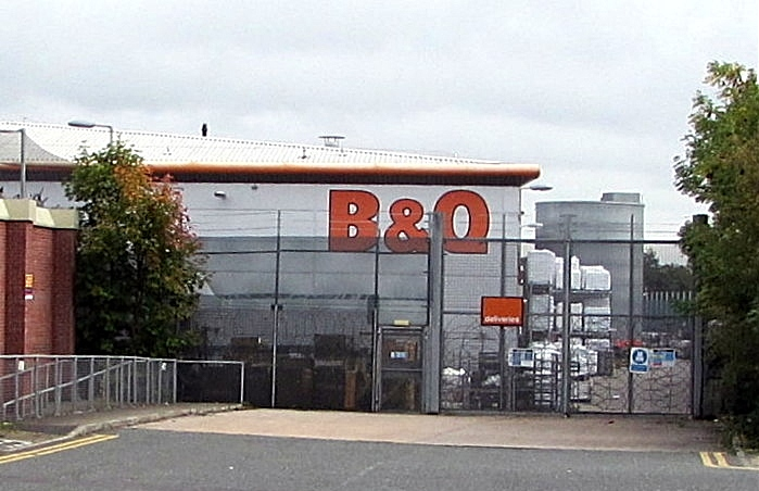 Crewe B&Q entrance, pic by Jaggery under creative commons licence