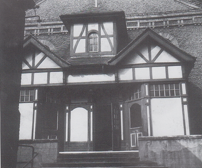 Ebenezer's - front of premises when it was the Cosy Cinema (1)