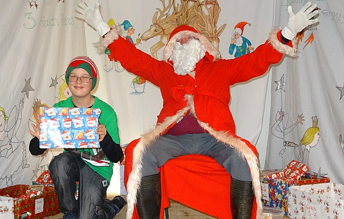 Fair - father-christmas-and-assistant
