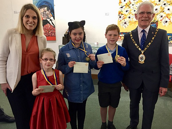 From left to right Laura Smith MP, Lillie Mogridge, Acton School, Lola Hilton, Acton School, Louis Hayer, Stapeley Broad Lane School and Mayor Arthur Moran