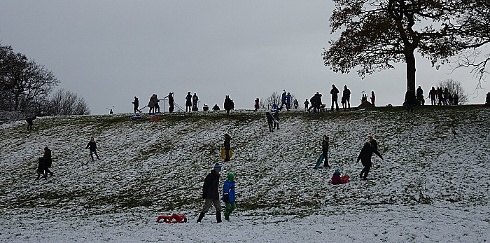 Big freeze - Fun in the snow at the Joey the Swan recreation area
