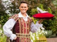 Gareth Gates launches Lyceum panto 'Cinderella' at Bridgemere