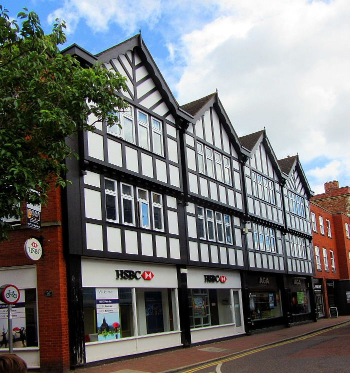 "HSBC to close Nantwich branch because of ""52% drop in ..."
