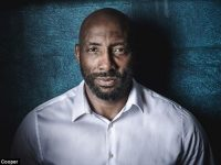 Boxing star Johnny Nelson backs celebrity boxing night in Nantwich