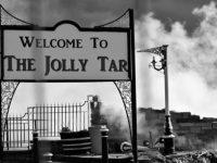 Fire crews tackle blaze at demolished Nantwich pub The Jolly Tar
