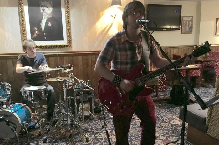 Jonathan Tarplee and Dan Logan perform at The Malbank