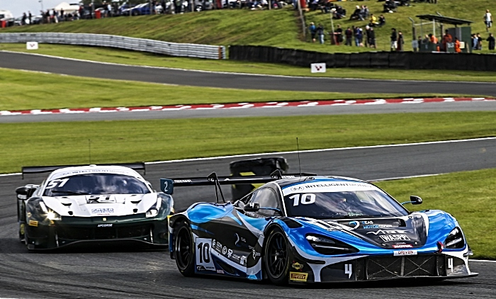 Jordan Witt racing in GT Championship