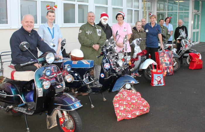 KCCC - Dabbers Scooter Club - Christmas 2015 leighton hospital donations