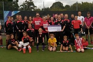 Crewe Vagrants hockey members raise more than £1,000 for Bloodwise