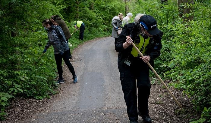 Knife sweep in Runcorn 1 (1)