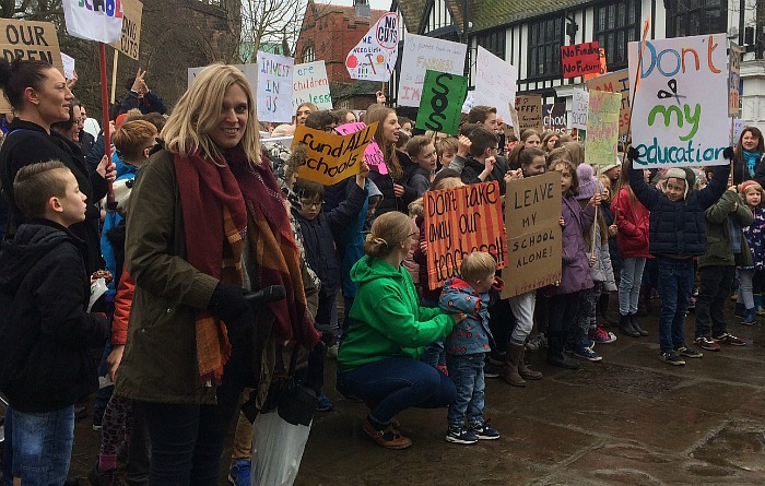 Laura Smith, protest organiser, with hundreds of families in nantwich town square