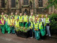 Volunteers clean Nantwich streets for North West in Bloom judges