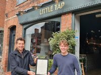 """Covid """"Beer Hero"""" pubs in Cheshire celebrated by Eddisbury MP Timpson"""
