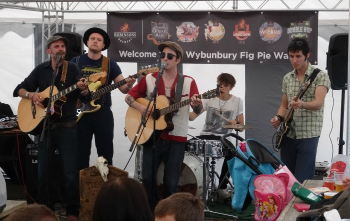 Live music at the Swan Inn