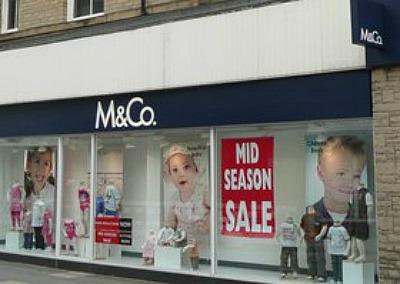 M&Co shop - fashion show