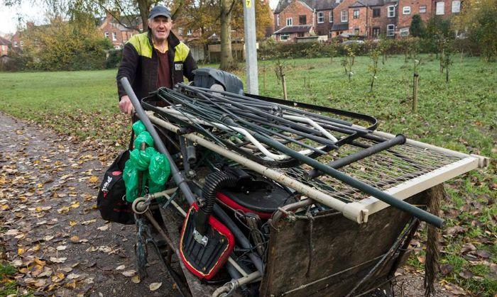 Michael Flash Meakin, scrap metal collector, Wulvern housing row