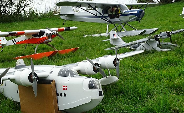 Model aircraft display