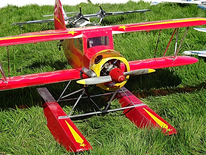 Model aircraft on display (1)