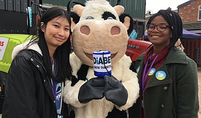 Monica Mooc, Jess Littleton (AKA Daisy) Naomi Thomas raise RAG funds for Diabetes UK (1)