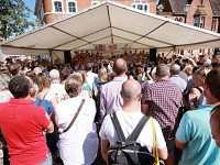 Packed crowds enjoy Nantwich Schoolsfest 2018 in town square