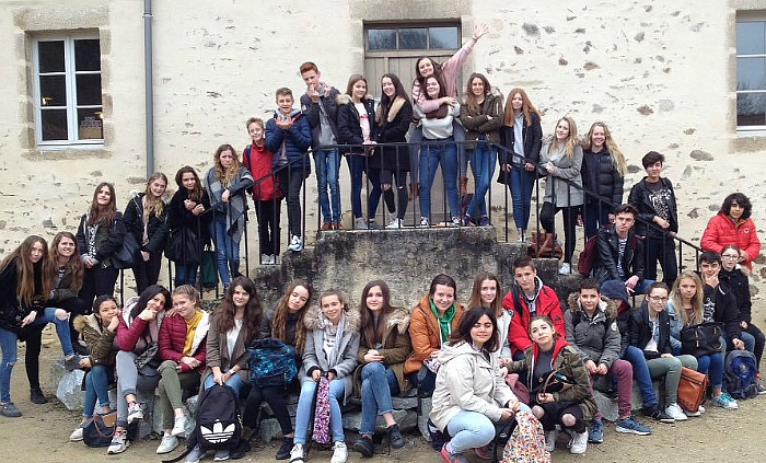 Moulin du Got near Brive - brine leas exchange students, paint contest