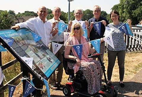 New Nantwich canal history panels unveiled next to historic aqueduct