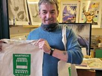 """Nantwich Town Council offers """"reusable"""" bags to boost market trade"""