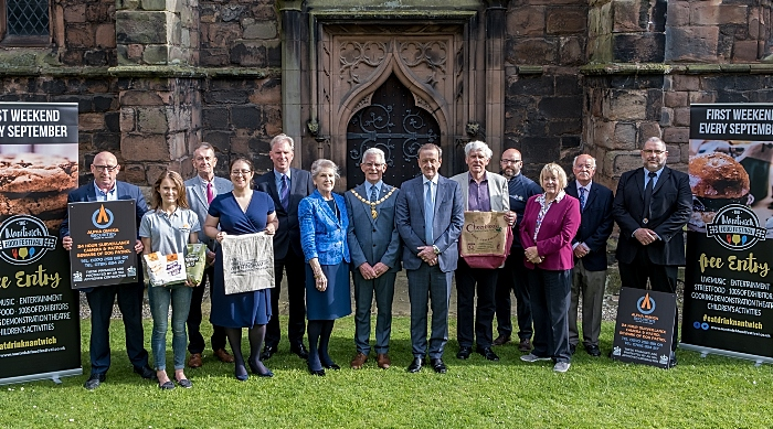 Nantwich Mayor, Festival Directors, main sponsors and Alpha Omega (1)