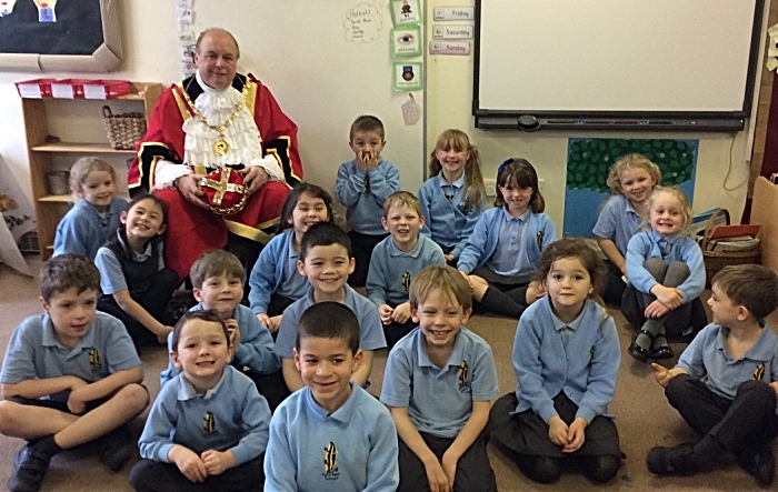 Nantwich Mayor grilled by Pear Tree pupils