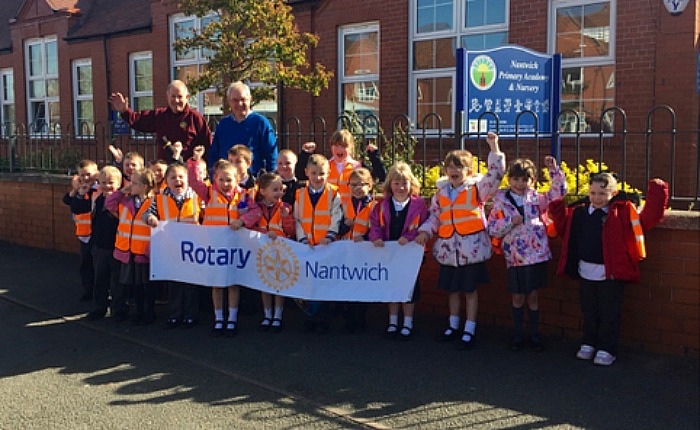 Nantwich Primary Academy on Chester Zoo visit