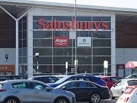 READER'S LETTER: Profits of supermarkets should be reflected in workers' pay