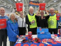 Nantwich Sainsbury's collects £9,500 in Poppy Appeal
