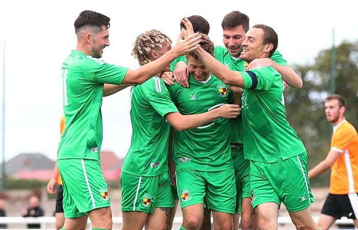 season - Kindertons - Nantwich Town celebrate goal against Stalybridge celtic