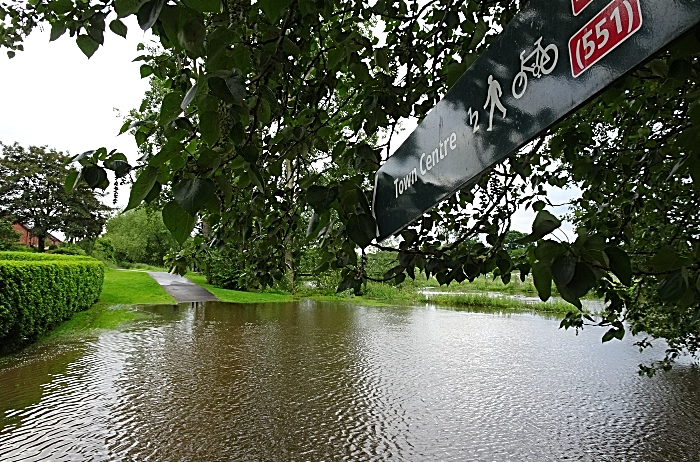 Nantwich flood - Thurs 13-6-19 – Town centre sign at blocked path caused by overflowing River Weaver near Beam Bridge (1)