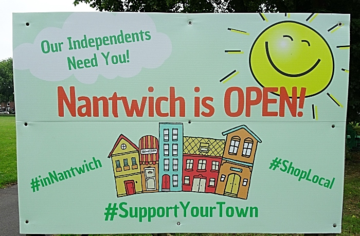 retailers -Nantwich is OPEN sign welcomes shoppers to the town (1)