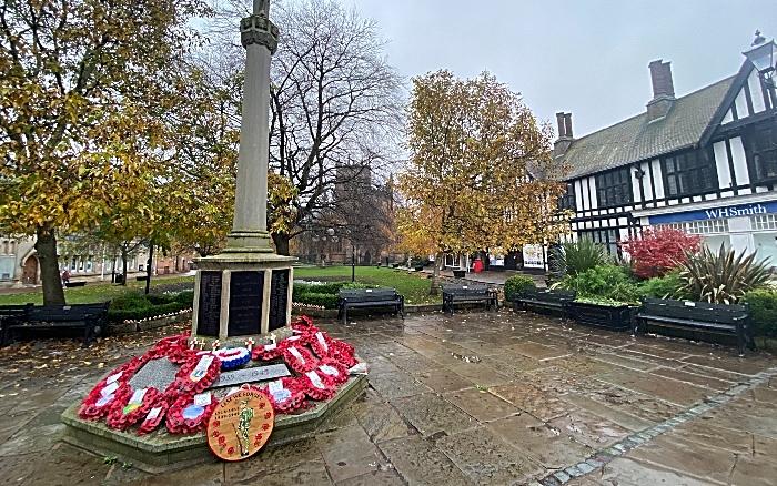 Remembrance Sunday - Nantwich - war memorial on Nantwich town square (1) (1)