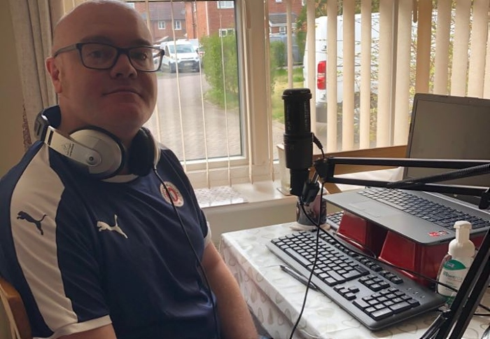 Neil Davis - sets up to present his Drivetime show from home (1)