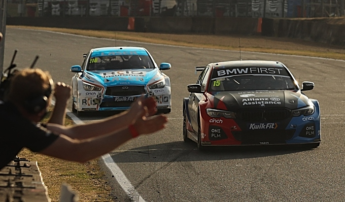 Oliphant crosses line for maiden victory at Brands Hatch