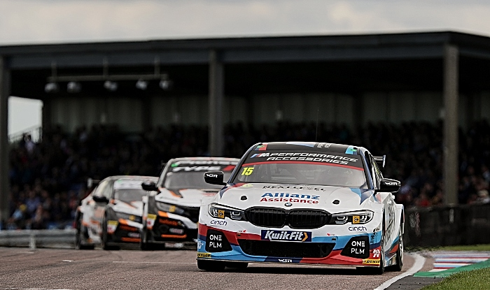Oliphant leads way at Thruxton