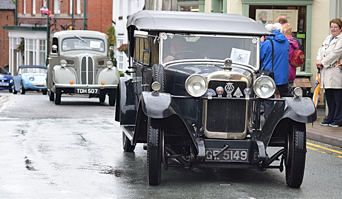 Parade of vehicles at Audlem (1)