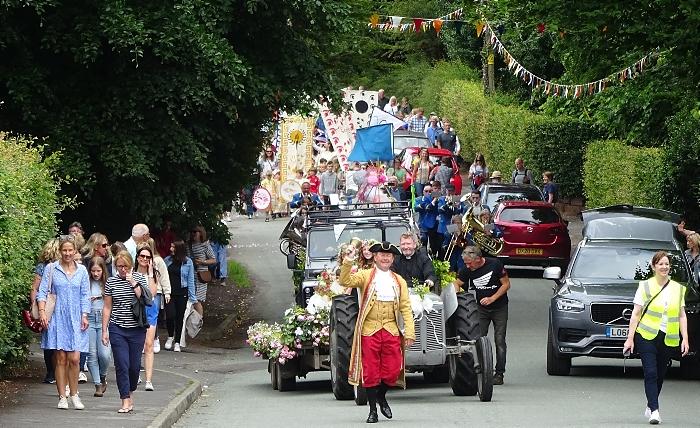 Village Day - Parade passes along Bunbury Lane enroute to Jubilee Playing Fields (1) (1)