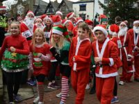 200 Santas dash around Nantwich streets for charity