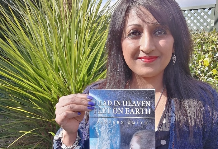 Parveen Smith with her latest book - Head in Heaven Feet on Earth (1)