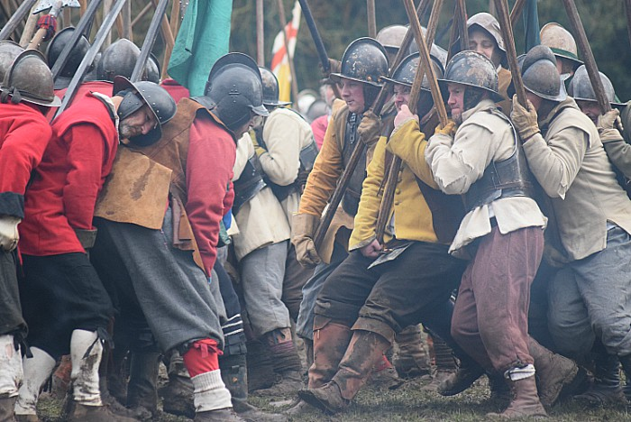 Pikemen prepare to engage during the battle