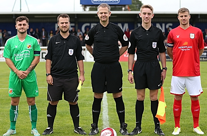 Pre-match - officials and captains (1)