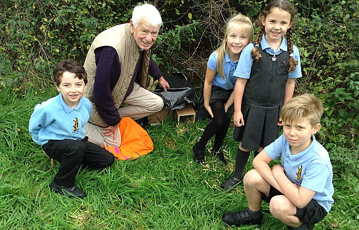 Pupils from Pear Tree make hedgohogs Homes with Doug Butterill