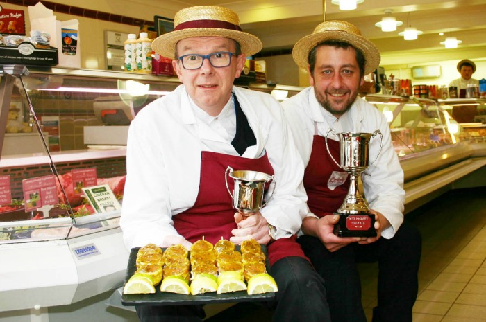 Q Guild 2015 BBQ Comp Clewlows Nantwich shop duo pic 2