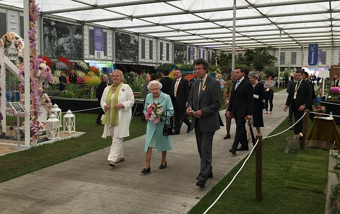 Queen visits Temple Garden at Chelsea Flower Show